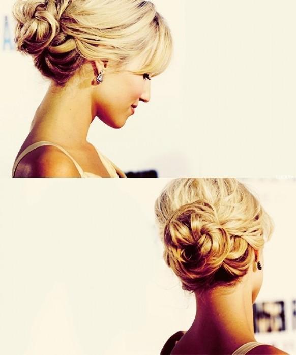 красивые собранные прически на средние волосы