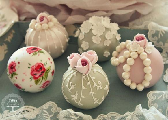 Vintage wedding vintage sphere cakes 1987444 weddbook for Decoration khotba