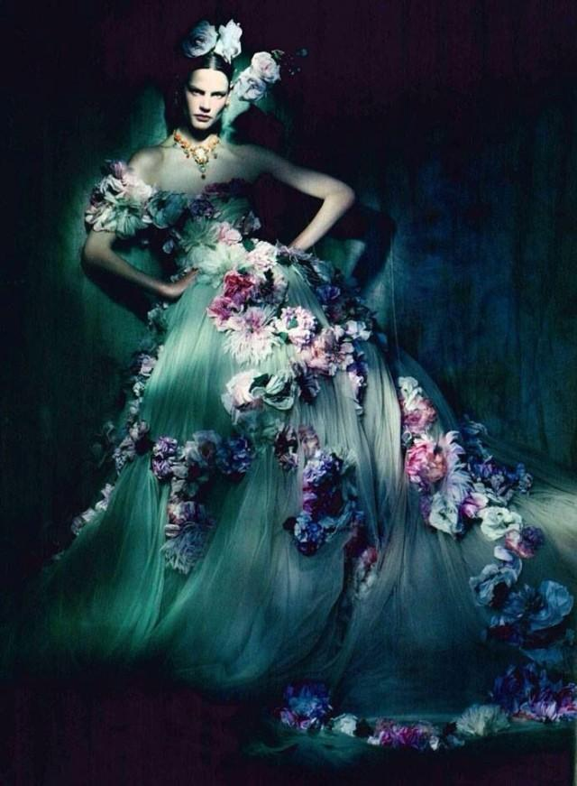 Dolce gabbana strapless gown coupled with the blossoms for Dolce gabbana wedding dress