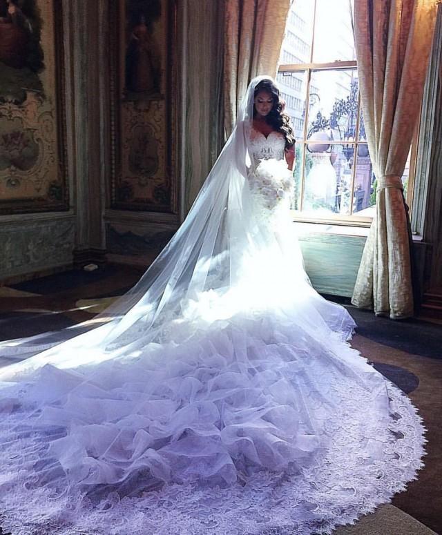 wedding photo - Gorgeous Chapel-Train Lace-Appliques Ruffles Mermaid V-Neck Wedding Dresses