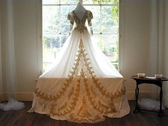 Baroque wedding royal dress for royal wedding 790029 for Gold vintage wedding dresses