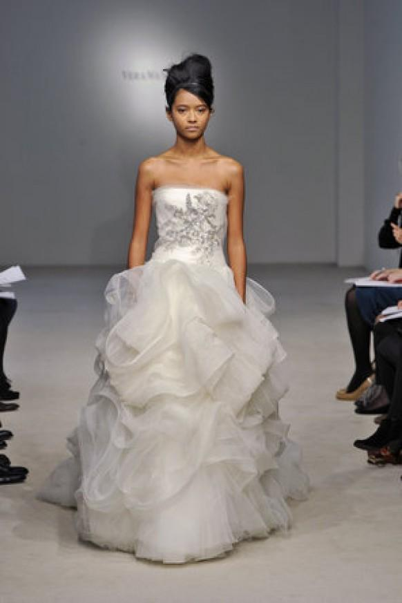 16 Fairytale Wedding Dresses  Romantic Gowns for Your