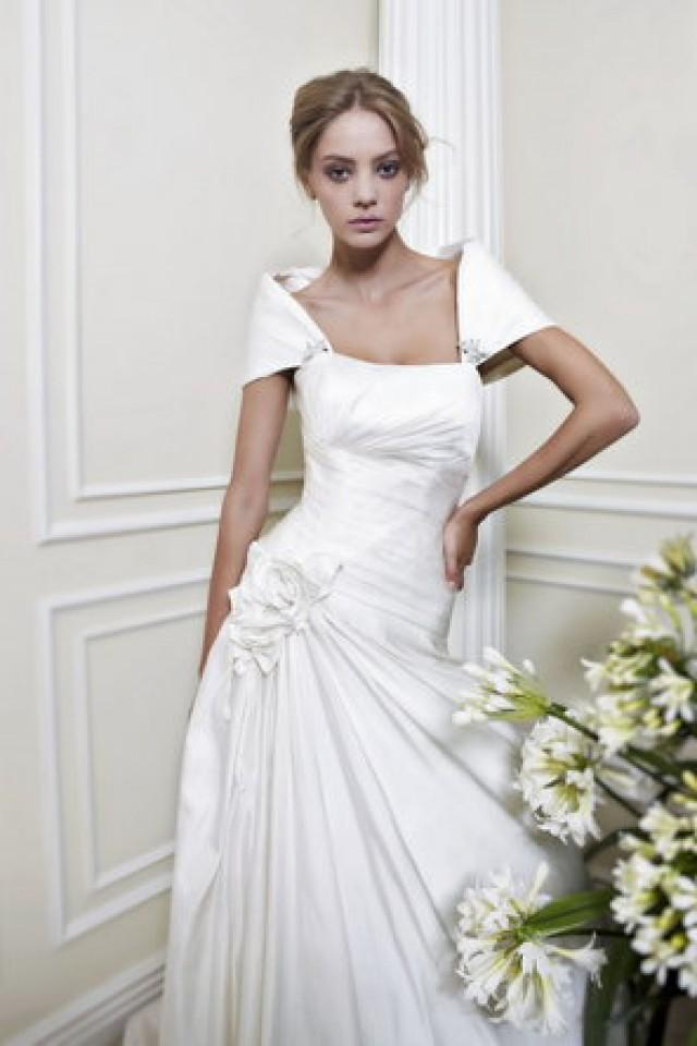 Dress pattis 794959 weddbook for Trisha yearwood wedding dress
