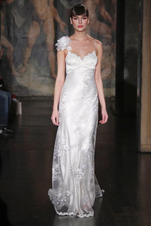 Dress claire pettibone 795398 weddbook for Wedding dress claire pettibone