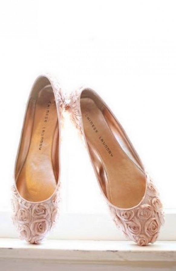 3ab571a5c9c2 Fashionable and Comfortable Wedding Shoes. Weddbook ♥ Vintage Pale pink ...