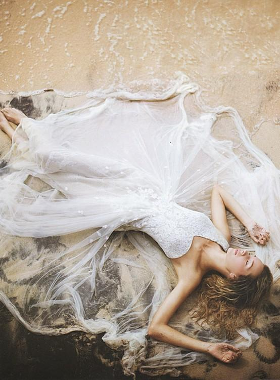 Wedding - Unique and Creative Wedding Photo Idea ♥ Amazing Bride Photo