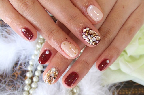 Painting Each Nail A Different Colorpattern Glamorous Wedding