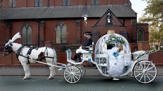 Wedding - Fairytale Wedding Car ♥ Dream Wedding Ideas