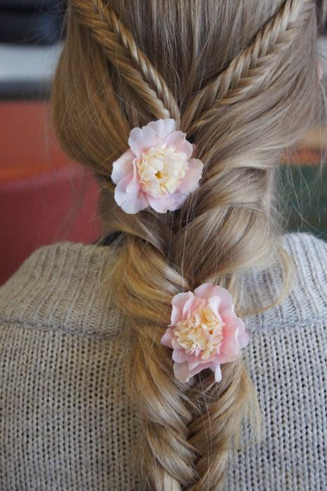 Hairstyle with Flowers     Lovely Wedding Hairstyles for Long HairWedding Hairstyles For Long Hair With Flowers Braid