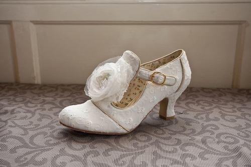Ivory Vintage Lace Bridal Wedding Shoe