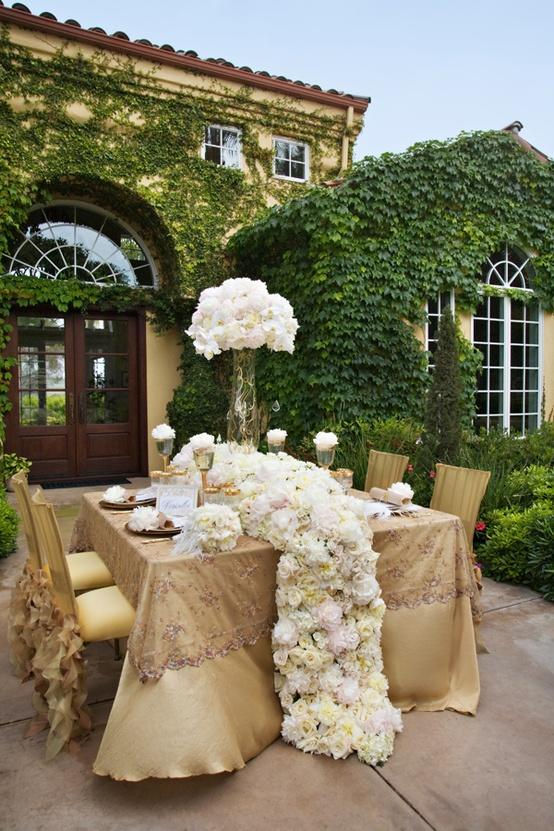 Decor wedding tables 1910772 weddbook for Table jardin beauty