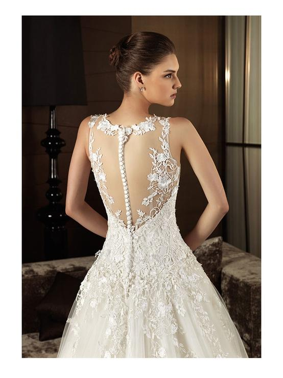 Embroidered lace back wedding dress intuzuri bridal for Lace button back wedding dress