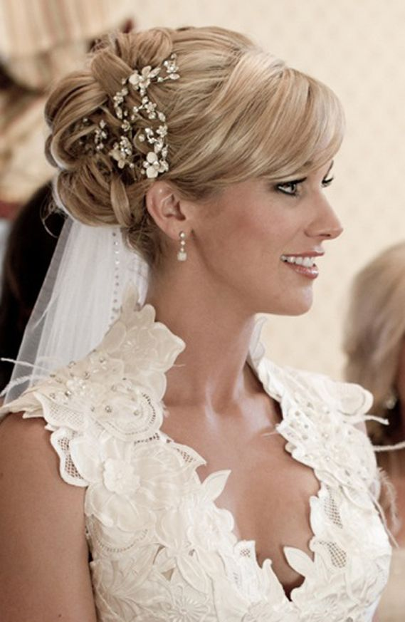 Укладка На Средние Волосы С Челкой На Свадьбу Фото