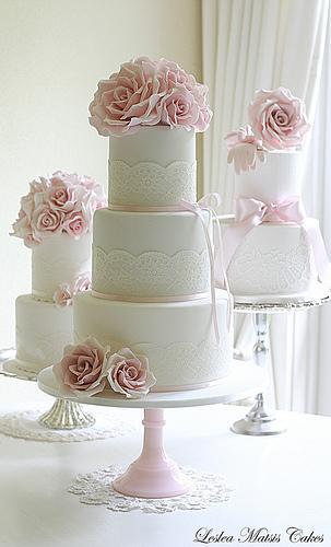 Hochzeitstorten Rosa Rosen Und Spitze Hochzeitstorte 1987297