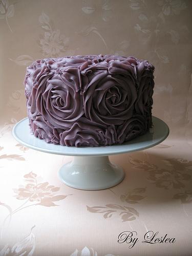 Ercream Roses Cake