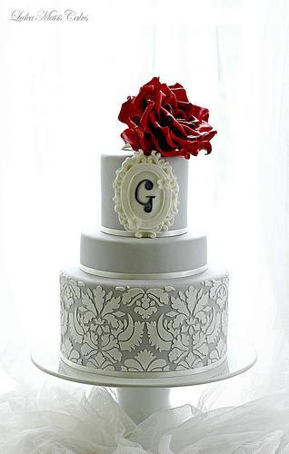 Свадьба - Красные розы и Дамаск