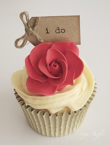 Свадьба - Красная роза Кекс