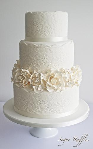 Strass Flowers Wedding Cake