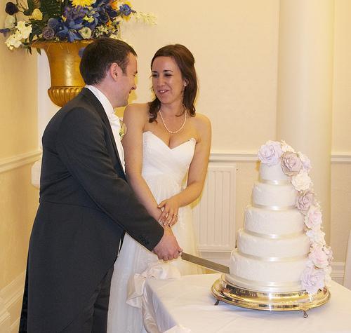 زفاف - أخواتي كعكة الزفاف