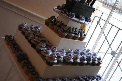 Mariage - Tour de petit gâteau