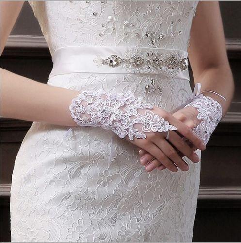Hochzeit - Neue Hochzeits-Zusatz-Brauthandschuhe wulstige Spitze Sexy Halbhandschuhe