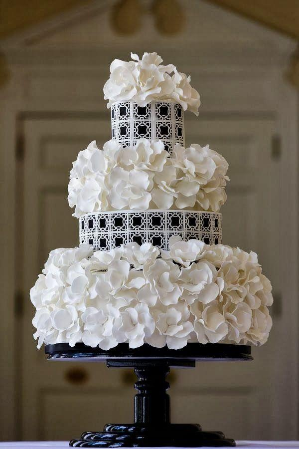 black and white wedding cake for special wedding 2050091 weddbook. Black Bedroom Furniture Sets. Home Design Ideas