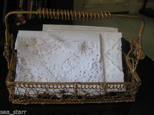 """زفاف - 10 """"بوصة مربعة الدانتيل الأبيض الزفاف الفيكتوري سلة زهور القوس 25 مغلفات الكمبيوتر"""