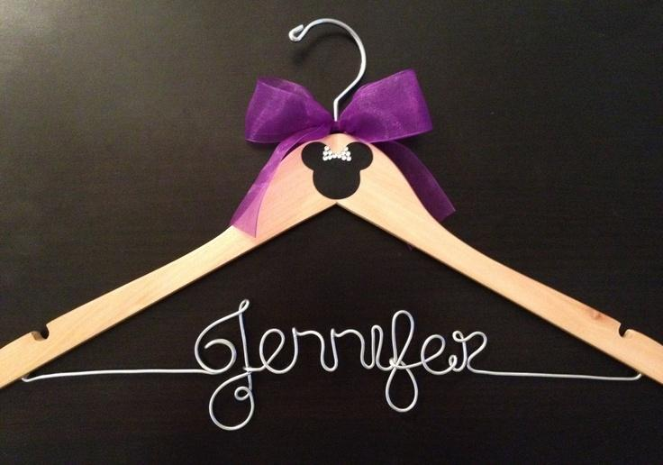Personalized Disney Wedding Gifts: Disney Mariage Hanger / Mariée Parti Cintres / Mickey