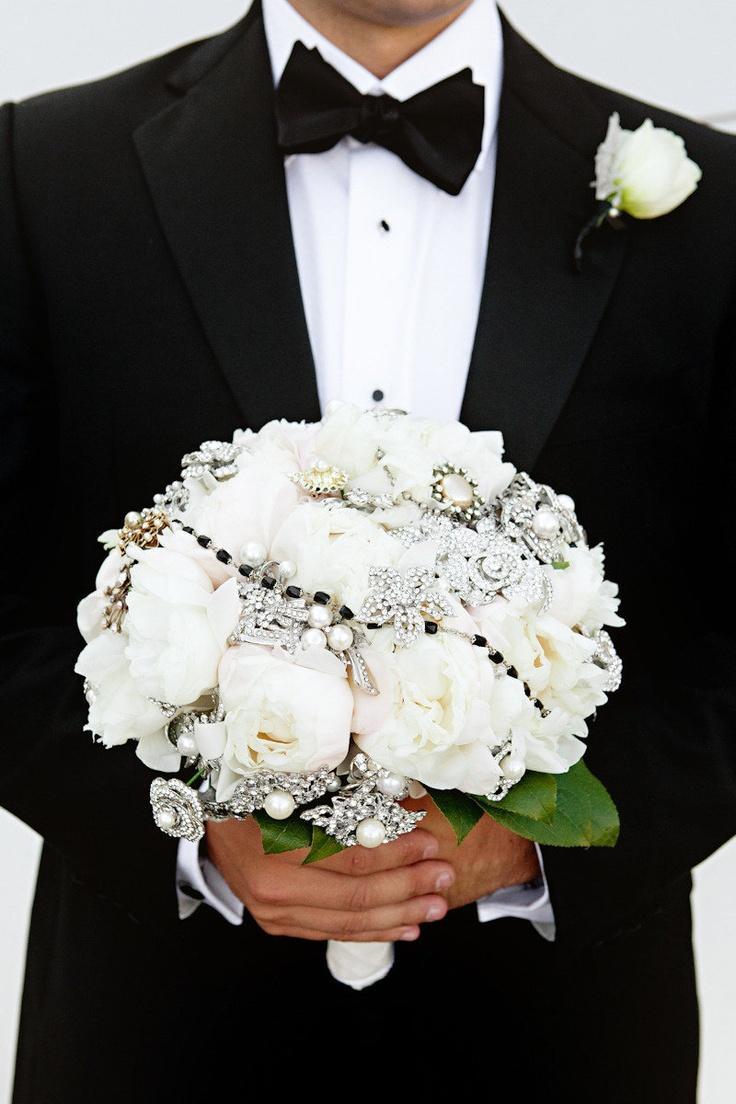 black and white wedding wedding flower bouquet. Black Bedroom Furniture Sets. Home Design Ideas