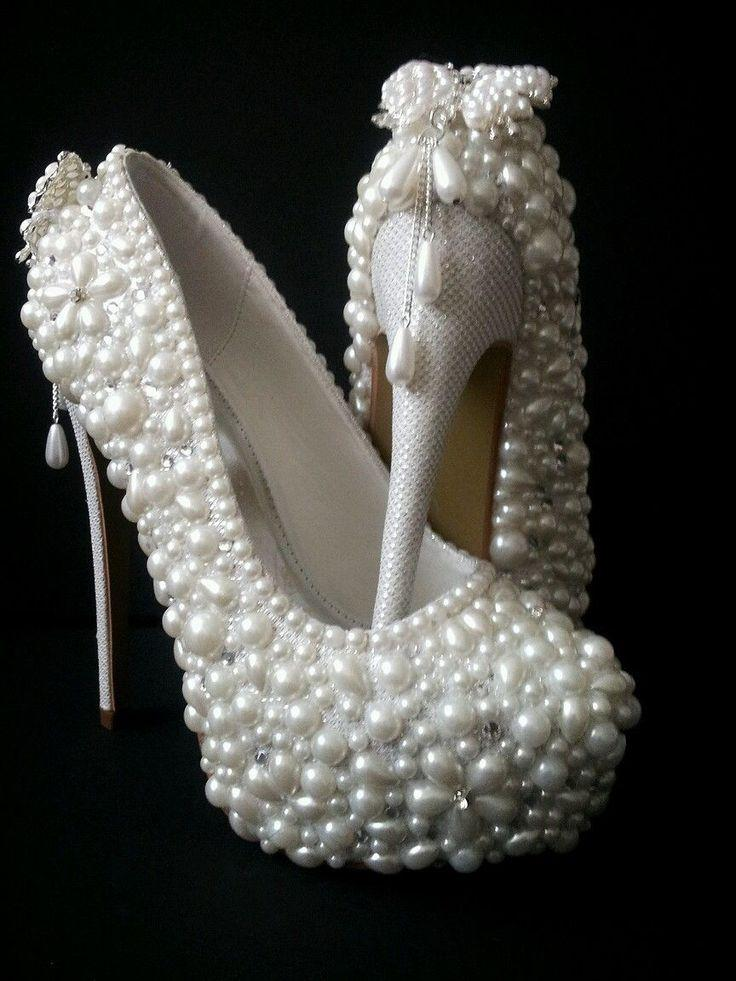 Hochzeit - Bridal Shoes* Handmade Luxury Pearl Shoes