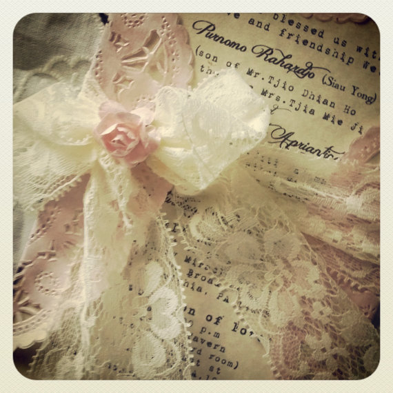 Hochzeit - Reserved for Caroline 20 - purple  vintage lace invitation - antique looking invitation - New