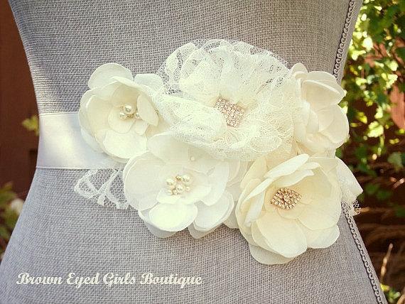Свадьба - Ivory and Cream Bridal Sash, ivory Wedding Sash, Ivory and Cream Wedding Belt - New