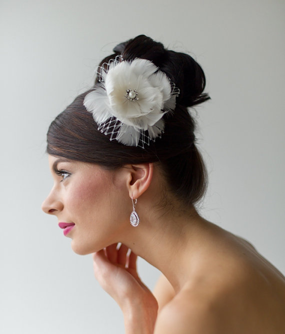 Mariage - Bridal Feather Fascinator, Wedding Feather Head piece, Flower Feather Fascinator - New