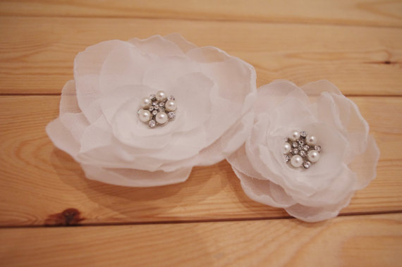 Wedding - Beautiful Simple Ivory Chiffon Flowers Pair - New