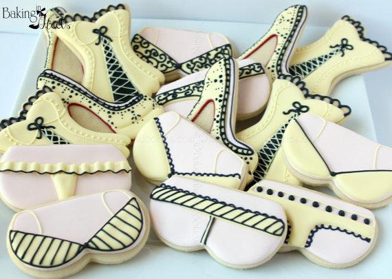 Свадьба - 16 Lingerie Decorated cookies -  Lingerie Cookies