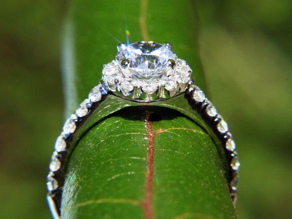 Mariage - CUSTOM Made - Diamond Engagement Ring - 1.61carat  Round - Split Shank-  Halo - Pave - Antique Style - 14K white gold - New