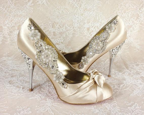 clip de best seller mariage chaussure clips clips de chaussure mari e 2226433 weddbook. Black Bedroom Furniture Sets. Home Design Ideas