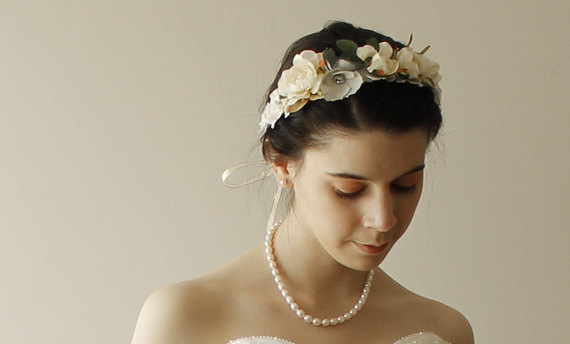Mariage - Fascinating Lace Bridal Wedding Crown Hair Accessory Adorned with Rose Flowers - New