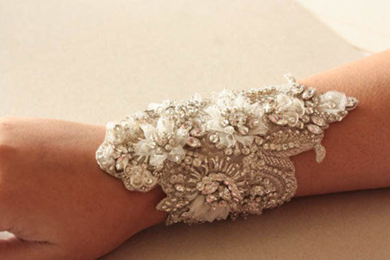 زفاف - Wedding bracelet beaded on fabric