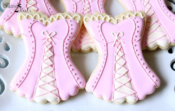 Свадьба - Corset Decorated Cookie Favors, Bridal Shower Corset Cookies, Lingerie Cookies, Risque Cookies - New
