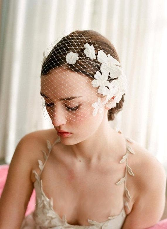 Свадьба - Exquisite Wedding Bridal Rhinestone / Lace Head Dress (617) - New