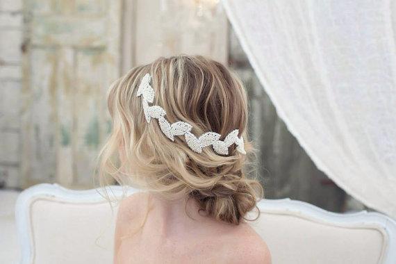 Mariage - Beaded Bridal Headband with Petals