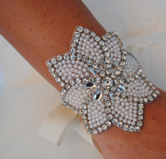 Mariage - Crystal and Pearl Bracelet, Bridal Bracelet, Pearl Bracelet, Crystal Bracelet, Wedding Bracelet - LILY - New