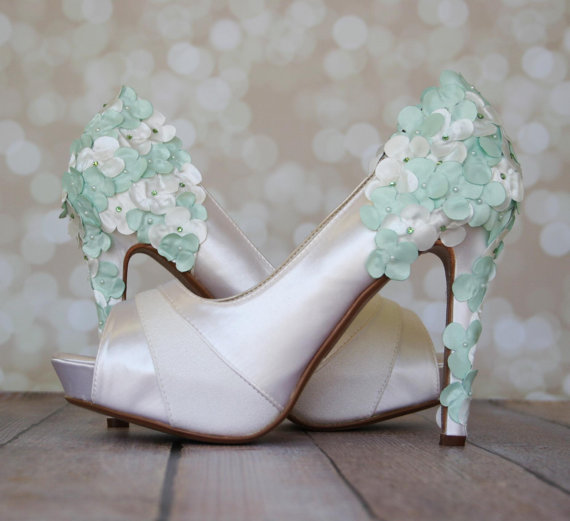 Boda - Mint Green Wedding Shoes With Satin Flowers