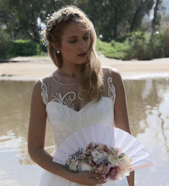 Mariage - White And Silk Wedding Fan Bouquet