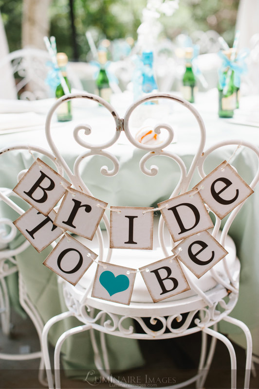 Hochzeit - Bride To Be Mini Banner - Bride To Be Chair Sign - Bridal Shower Decorations - Bridal Shower Banners - CUSTOMIZE YOUR COLORS - New