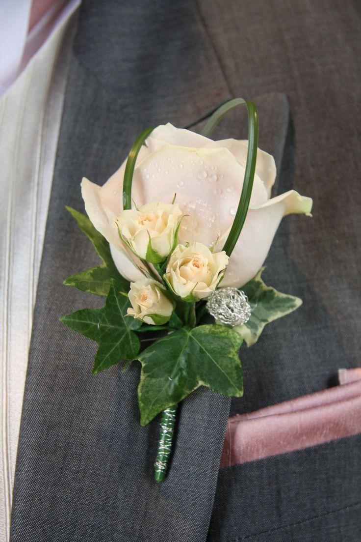 Hochzeit - Corsages And Buttonholes