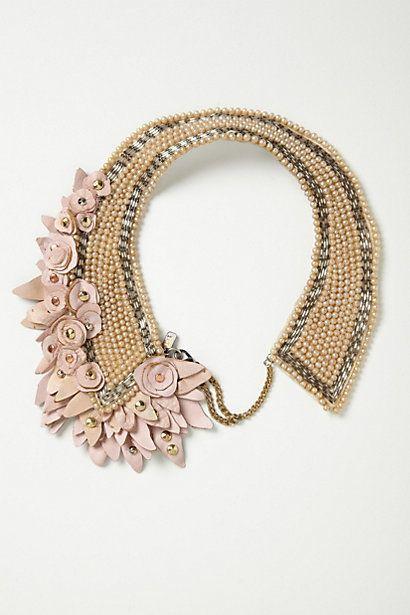 زفاف - Blushing Pearl Bib Necklace