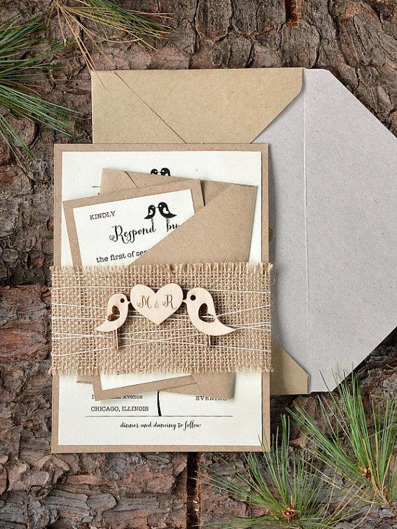 Benutzerdefinierte Liste (20) Rustikale Hochzeitseinladung, Einladung Der  Vögel, Jute Hochzeitseinladungen, Einladung Holz,   New