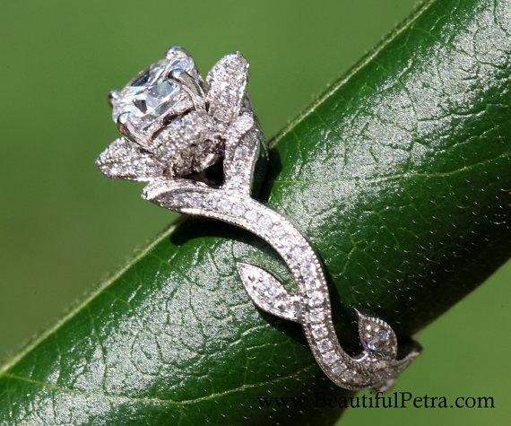 Свадьба - BLOOMING Work Of Art - Flower Rose  Lotus Diamond Engagement Ring - Milgrain - Beauty - Flower - 14K - Vine - leaves - fL07 Patented design - New